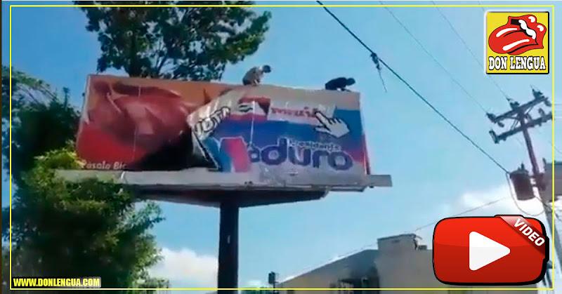 Venezolanos comienzan la limpieza de símbolos de la dictadura en las calles