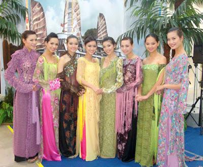 Les filles vietnamienne ao dai costume