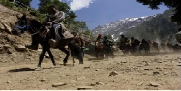 jammu-se-karib-6000-shradalu-amarnath-ke-liya-ravna