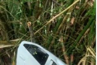 Motorista de Uber perde controle de veículo e capota na BR-101