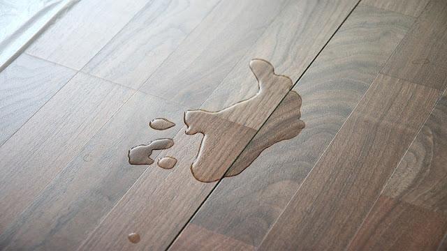 lantai kayu kurang tahan terhadap air