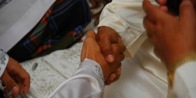 Masyaallah, Bapak Ini Hanya Meminta Secangkir Kopi Untuk Maskawin Keenam Anaknya