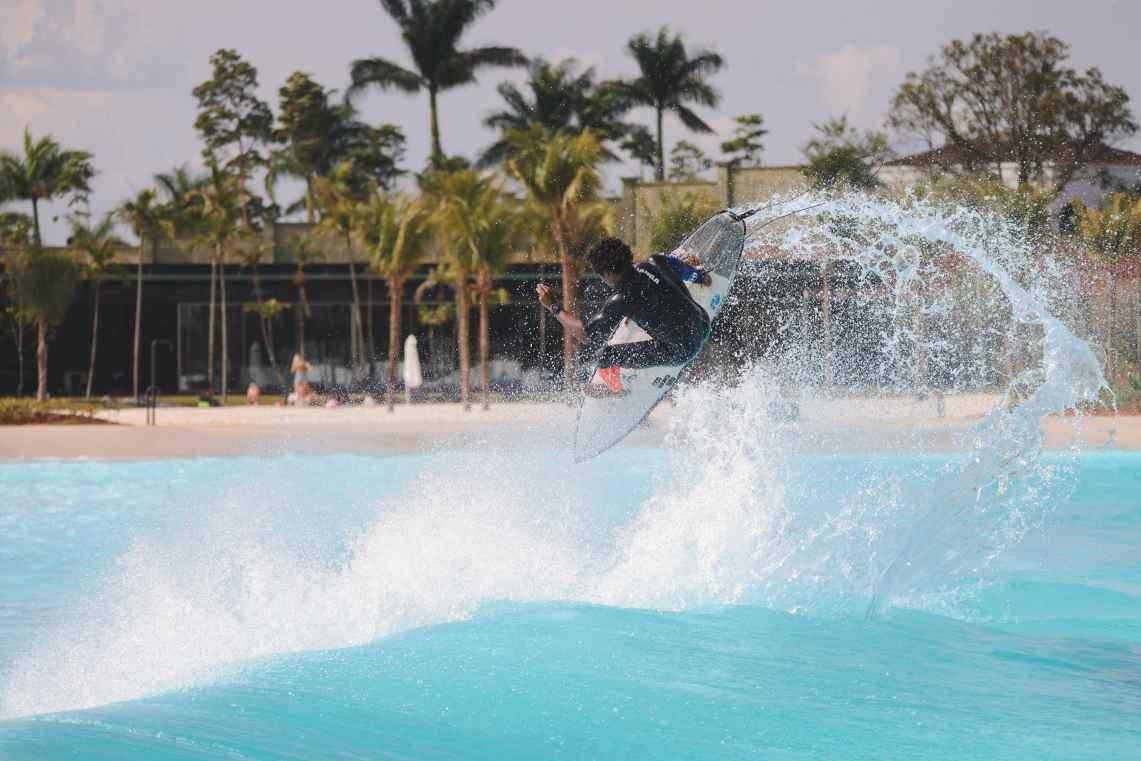 surf30 wavegarden brasil Wavegarden Praia da Grama Victor Bernando