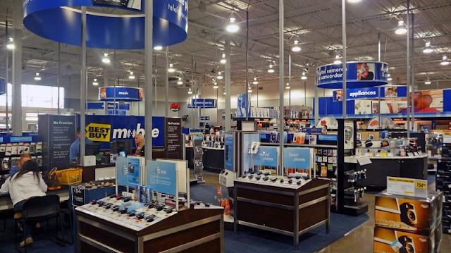 Eletrônicos na loja Best Buy em Miami
