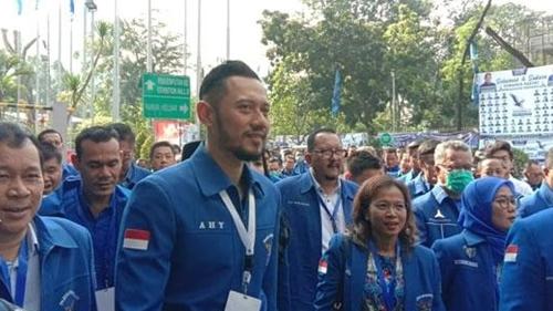 Pasukan AHY Serang Jokowi, PAN Sukses di Peluk, Jokowi Jadi 3 Periode? Jangan-Jangan Lho..