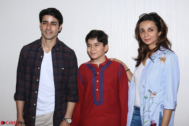 Gautam Rode with Lra Dubey and child artist Krish Dewan  (6).JPG
