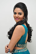 srmukhi new gorgeous looking sills-thumbnail-3