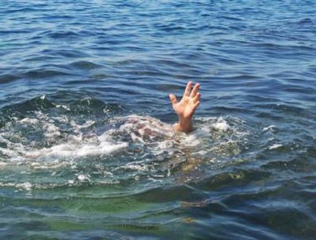 Quảng Ngãi Hai học sinh lớp 9 chết đuối mất tích khi đi tắm biển