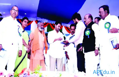 Have partners in school development  CM Jagan appeals to parents in Ammavadi early House