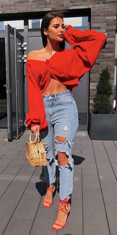 Transform your summer looks with these fashion-forward summer outfits for every summer occasion. Outfit Ideas via higiggle.com #fashion #style #jeans