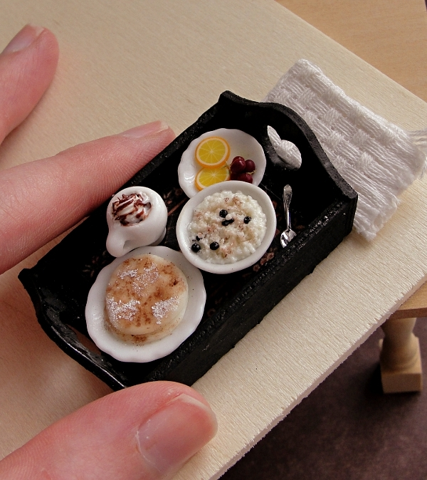 07-Breakfast-in-Bed-Kim-Clough-fairchildart-Dolls-House-Miniature-Clay-Food-Art-www-designstack-co