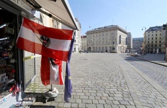 """Πόλη """"φάντασμα"""" η Βιέννη την επομένη της τρομοκρατικής επίθεσης"""