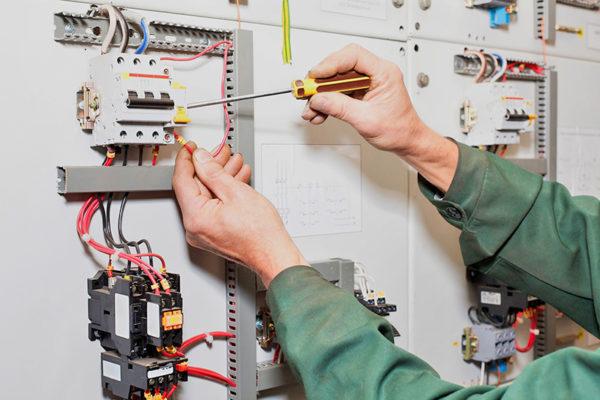 Επιχείρηση στο Άργος ζητά ηλεκτρολόγο