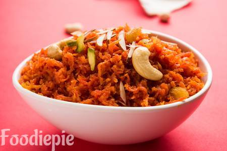 Sweet and Delicious Gajar ka halwa | Carrot halwa Recipe {Easy method}