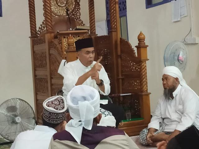Sholat Maghrib di Masjid Raudhatul Falah, Bupati Natuna Mengajak Seluruh Jamaah Memakmurkan Masjid