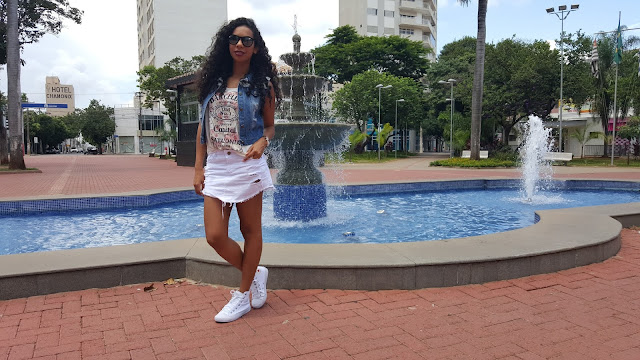 Look do dia Saia jeans branca