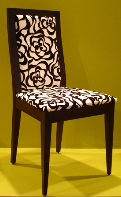 Decorando dormitorios lindas sillas de comedor tapizadas for Sillas de comedor modernas argentina