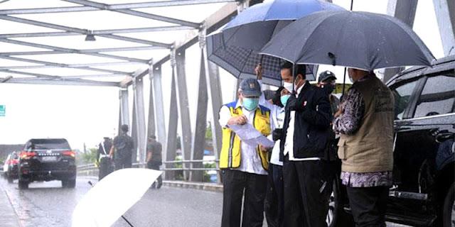 Walhi: Kalau Hanya Salahkan Hujan Dan Sungai, Jokowi Mending Tidak Usah Ke Kalsel