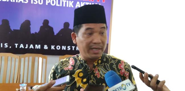Ray Rangkuti: Kalau Sri Mulyani Rugikan Publik, Tuntut Saja Jokowi