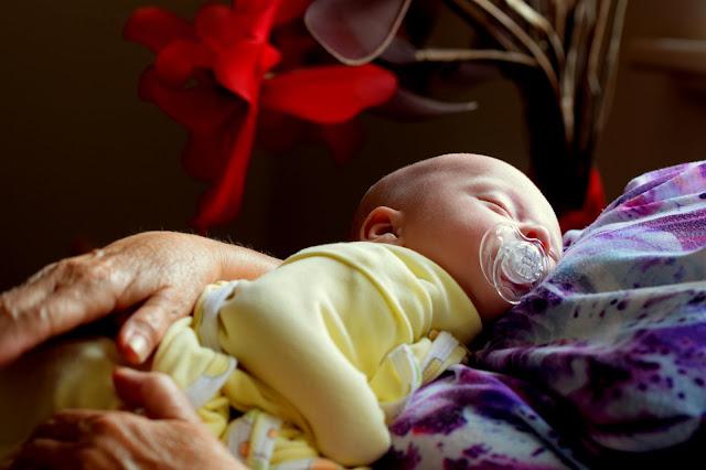10 طرق لتعزيز نمو الطفل - 10 Ways to Promote Baby Development