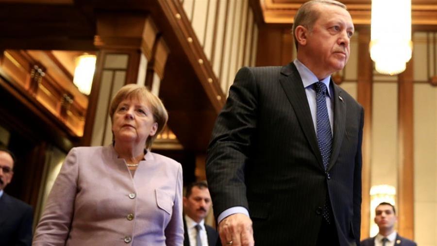 Τα «μηνύματα» του γερμανικού Τύπου στην Μέρκελ για πιο σκληρή στάση με την Τουρκία