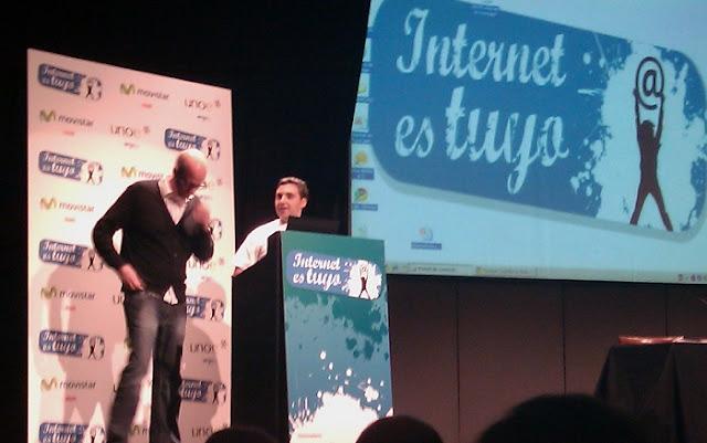 Ismael El Qudsi Creador Director de Internet es Tuyo Presentado al Ponente Alberto Knapp