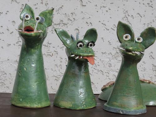 Neuer gartentraum eine drachenfamilie f r den garten - Keramik katzen fur garten ...