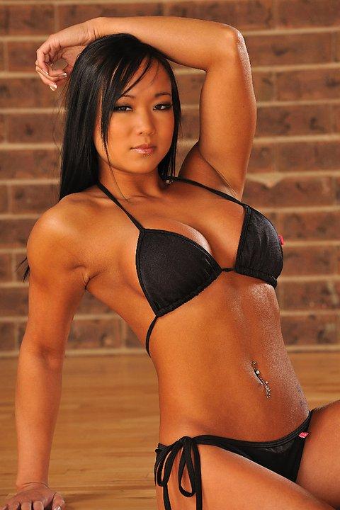 Ying Ying Tan - Canadian Fitness Beauty