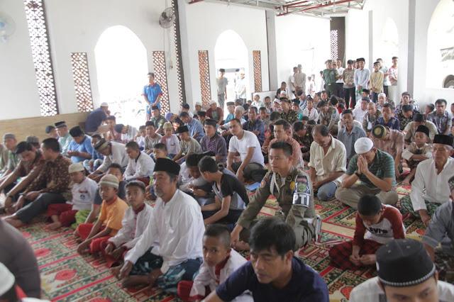Gubernur Safari Jumat di masjid An-Nur Kompleks Interbis Kecamatan Alang-alang Lebar Palembang