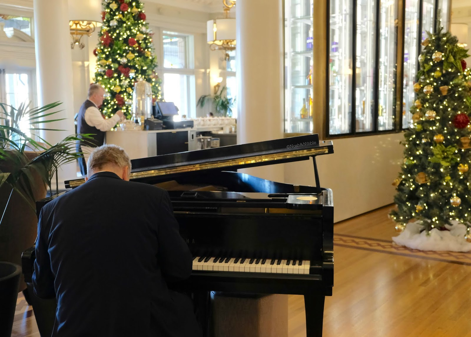 Fairmont Empress | Tea at The Empress Review | Lobby Lounge Pianist