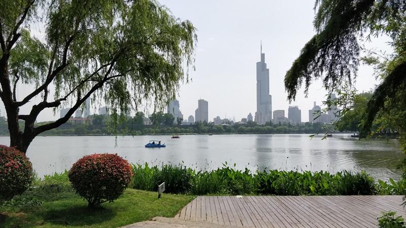 ทะเลสาบเสวียนอู่ (Xuanwu Lake: 玄武湖)