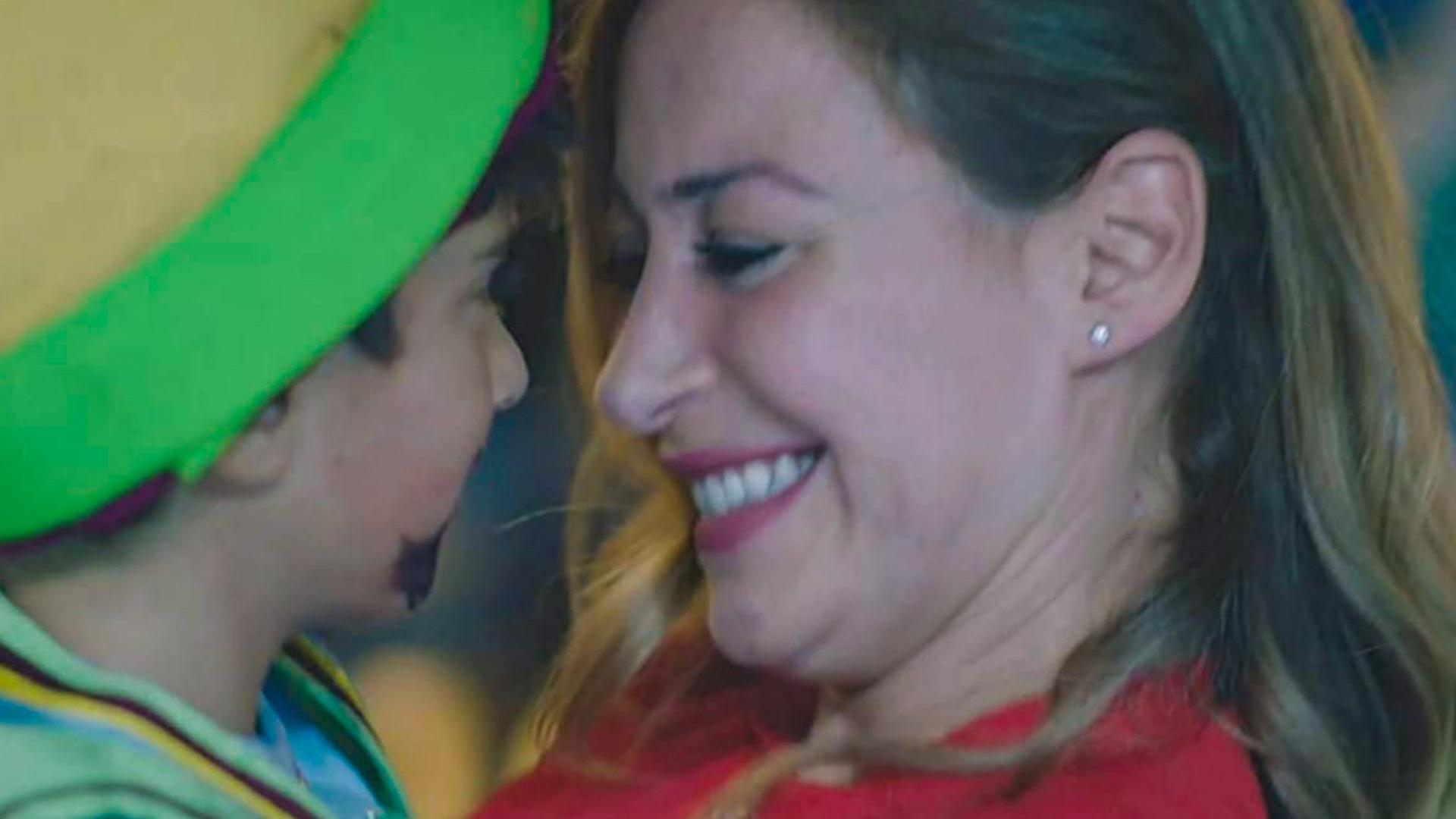 منة شلبي تسلط الضوء على الأم mother الكفيلة وتتسبب في زيادة طلبات احتضان الأطفال بمصر