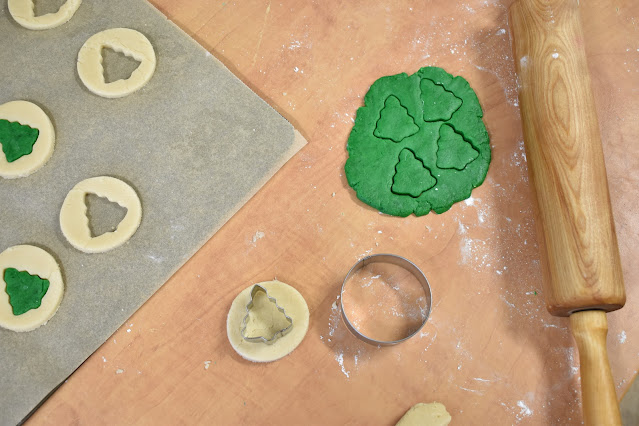 How to Make Christmas Tree Shapes Sugar Cookies