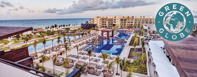 Royalton Riviera Cancun is a modern luxury resort in the popular vacation destination of Cancun. This new-generation all-inclusive hotel offers discerning travelers a family-friendly vacation experience, where guests of all ages are captivated from morning to night.