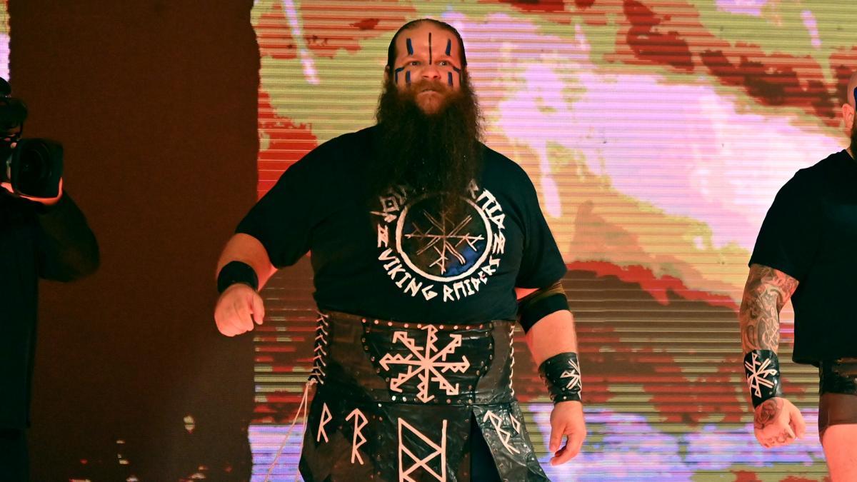 WWE confirma que Ivar se lesionou durante o RAW