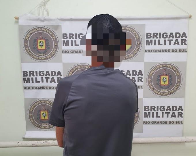 Traficante é preso pela BM no bairro Vista Alegre em Cachoeirinha