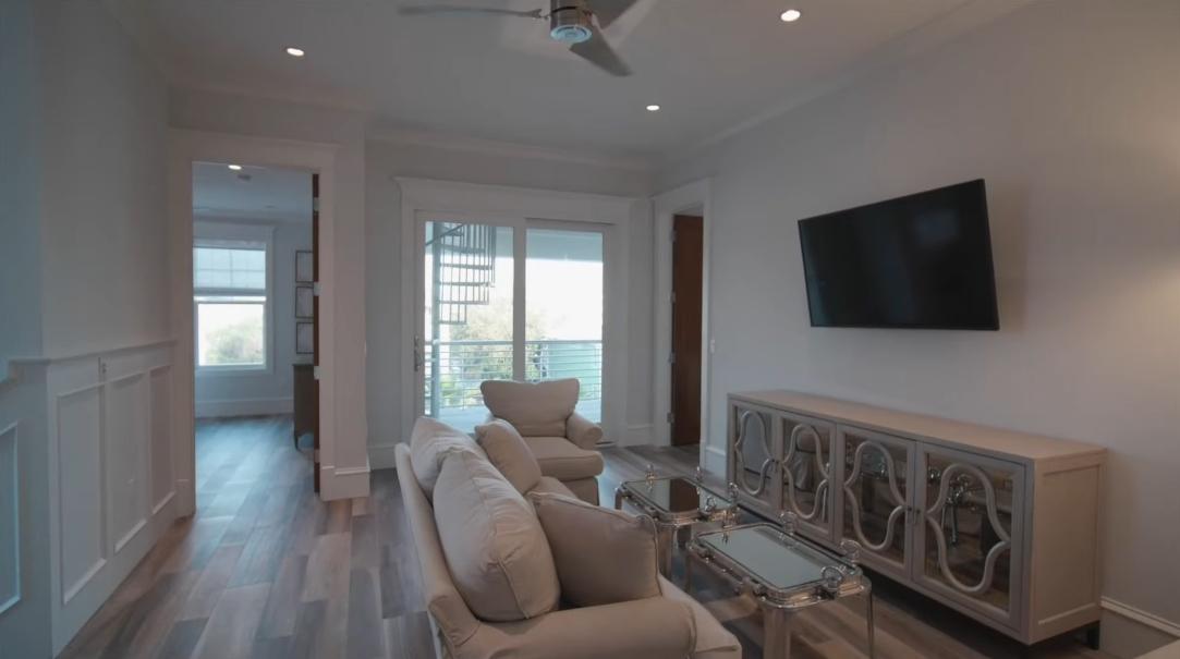 26 Interior Design Photos vs. Tour 91 Shirah St Destin FL