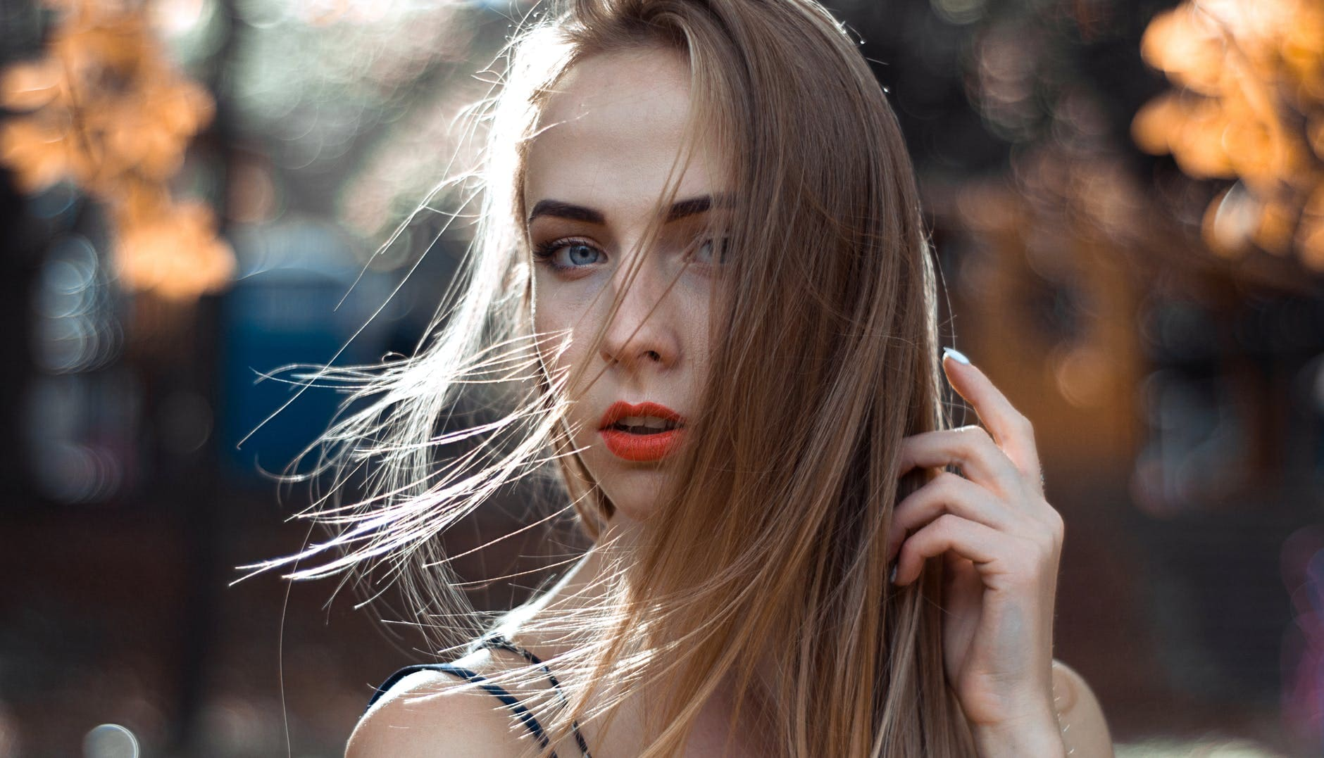 What are the foods that strengthen the hair?