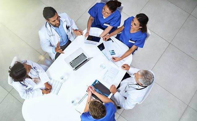 خاص للأطباء : انتبه قبل شراء برنامج عيادة