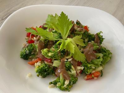 Brokuł z kaszą i warzywami