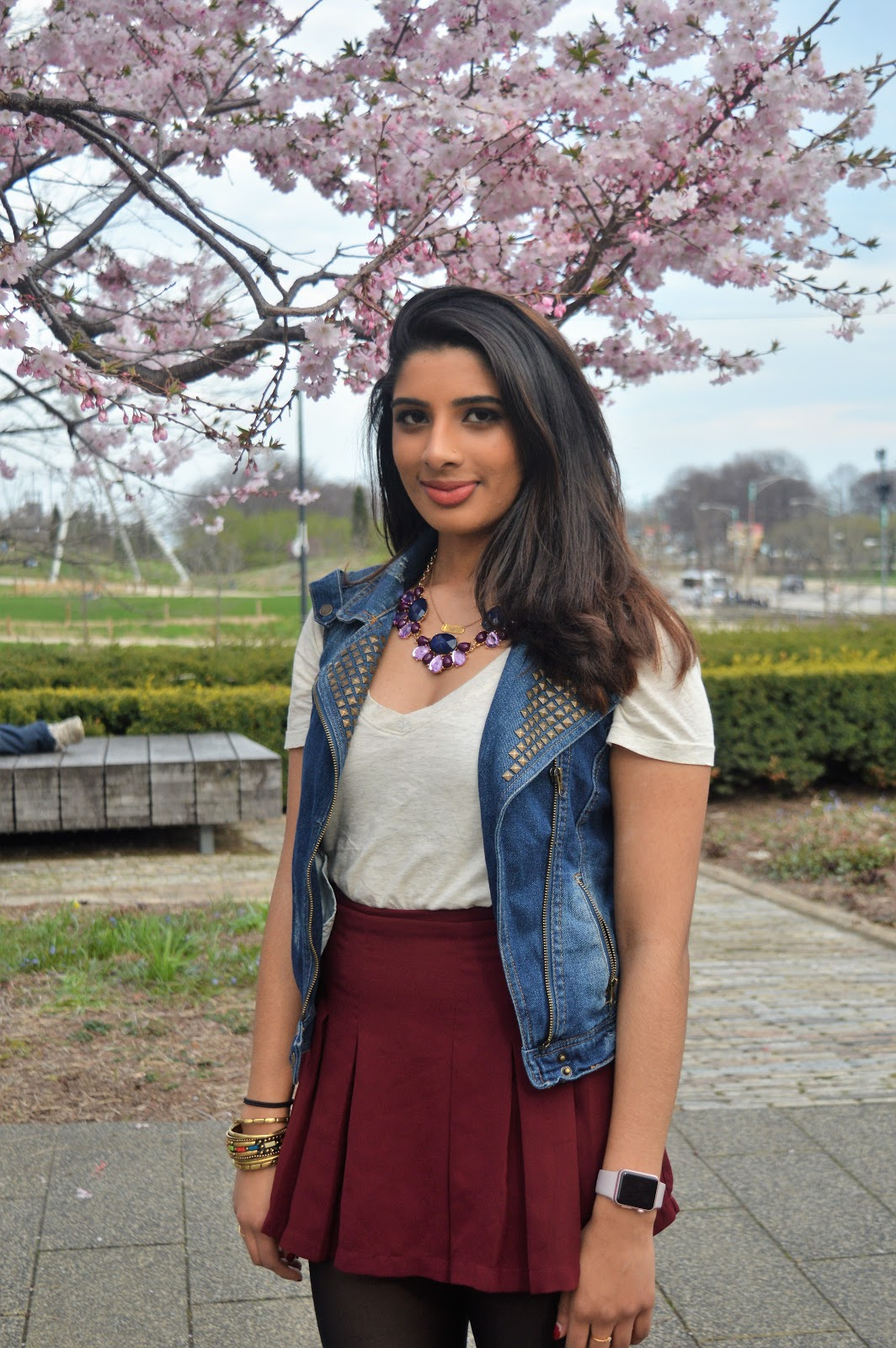 white t shirt with short skirt,cherry blossoms,  seatttle blogger, college style, easy looks, ananya
