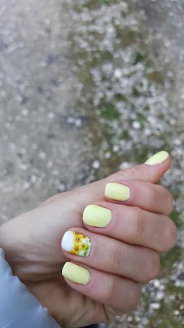 zolte paznokcie na wiosne