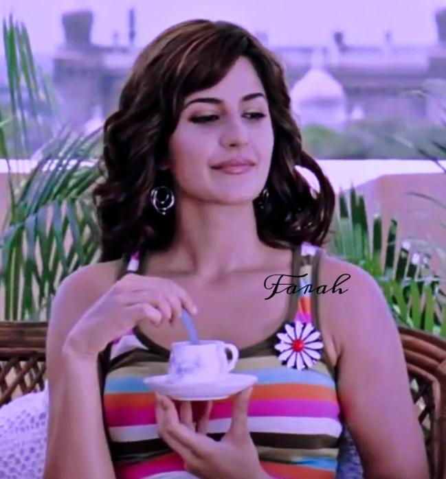Bollywood Actress Katrina Kaif Slaying in a Hot Top