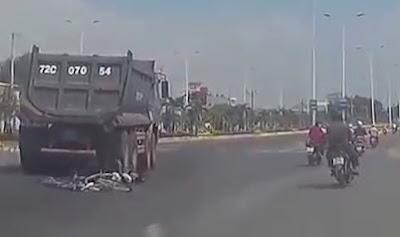 Camion Destroza a Ciclista