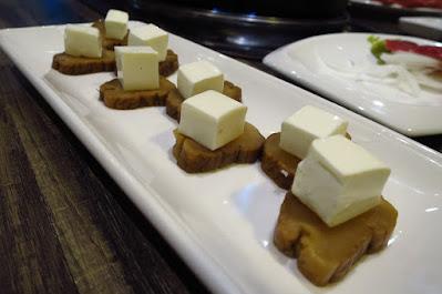The Hitsuji Club, iburigakko cream cheese