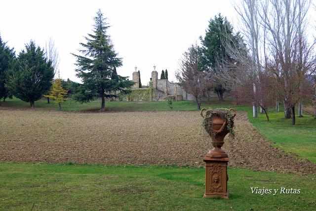 Jardines tras el castillo de Sajazarra