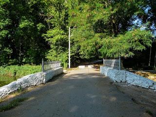 Браилов. Усадьба фон Мекк. Мост через озеро