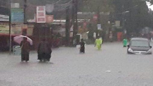 Hujan Dengan Intensitas Tinggi Sebabkan 10 Kecamatan di Bekasi Tergenang Banjir