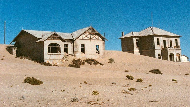 Blur MINT: Kolmanskop | Ghost town in world's oldest desert