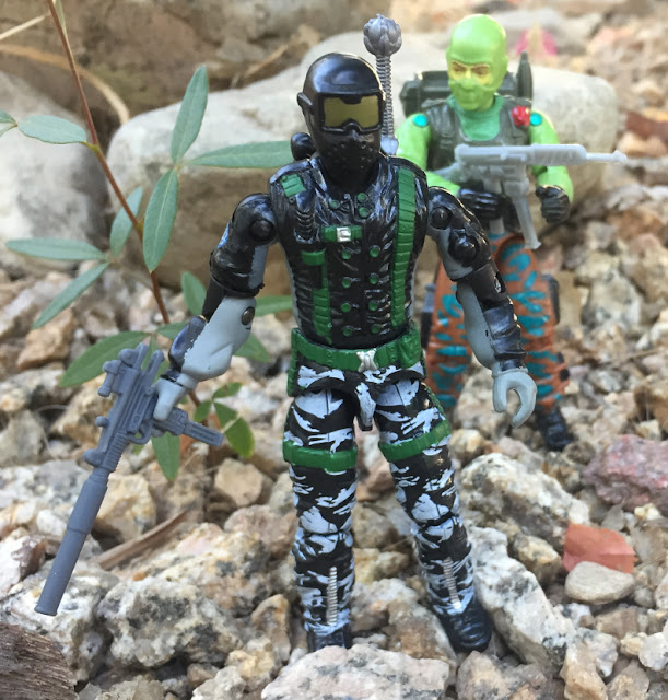 2005 Winter Operations Snake Eyes, Funskool Beach Head, Toys R Us Exclusive